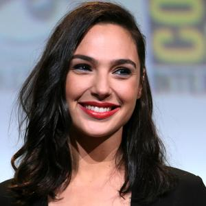 Изображение помечено: Brunette, Celebrity - Star, Face, Gal Gadot, Safe for work, Smiling