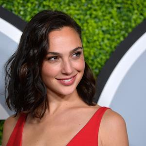 Изображение помечено: Brunette, Celebrity - Star, Gal Gadot, Safe for work, Smiling