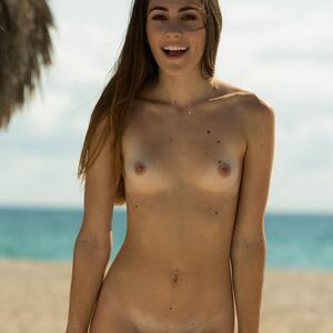 Изображение помечено: FTV Girls, Skinny, Brunette, Beach, Flat chested, Mackenzie Mace, Small Tits, Smiling, Tummy