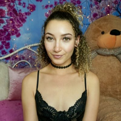 Изображение помечено: Bambii Bonsai, Brunette, Camgirl, Chaturbate, nood.tv
