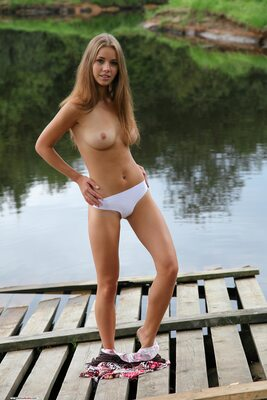 Изображение помечено: Brunette, Boobs, Cute, Goddess Nudes, Marya, Nature, Piercing, Tummy