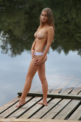 Изображение помечено: Brunette, Boobs, Cute, Goddess Nudes, Marya, Nature