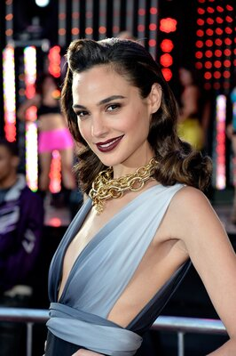Изображение помечено: Brunette, Gal Gadot, Celebrity - Star, Safe for work