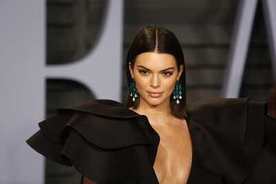 Изображение помечено: Brunette, Kendall Jenner, Celebrity - Star, Safe for work
