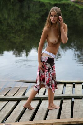 Изображение помечено: Brunette, Cute, Goddess Nudes, Marya, Nature