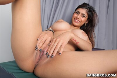 Изображение помечено: Brunette, Busty, Mia Khalifa - Mia Callista, Boobs