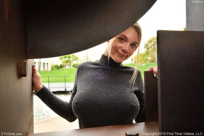 Изображение помечено: FTV Girls, Busty, Blonde, Boobs, Gabbie Carter, Safe for work, Smiling