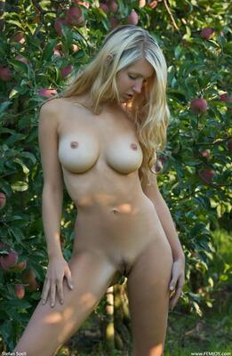 Изображение помечено: Blonde, Busty, Corinna, Femjoy, Forbidden Fruits