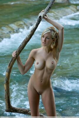 Изображение помечено: Blonde, Busty, Corinna, Femjoy, Magic River