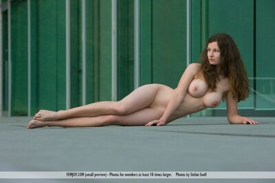 Изображение помечено: Busty, Closer Than You Think, Femjoy, Susann