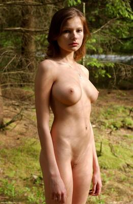 Изображение помечено: Hegre Art, Brunette, Boobs, Luba Shumeyko, Nature, Tummy