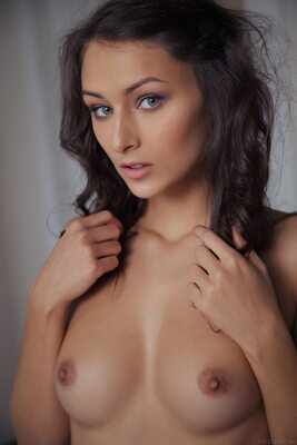 Изображение помечено: MET Art, Brunette, Exind, Eyes, Small Tits, Yarina A