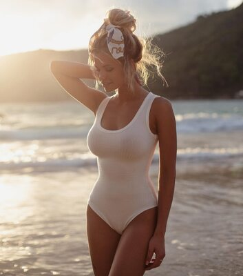 Изображение помечено: Skinny, Blonde, Busty, Nata Lee, Beach, Bikini, Cute