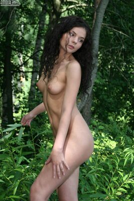 Изображение помечено: Skinny, Amour Angels, Brunette, Nature, Small Tits