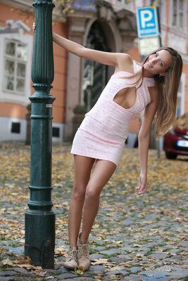 Изображение помечено: Watch4Beauty, Skinny, Blonde, Happy in the City, Katya Clover - Mango A